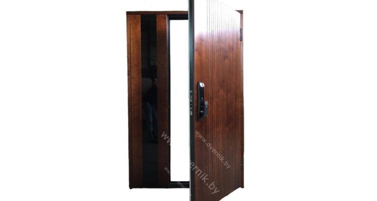 Входные двери в дом с отделкой корабельной фанерой (скидка 15%)